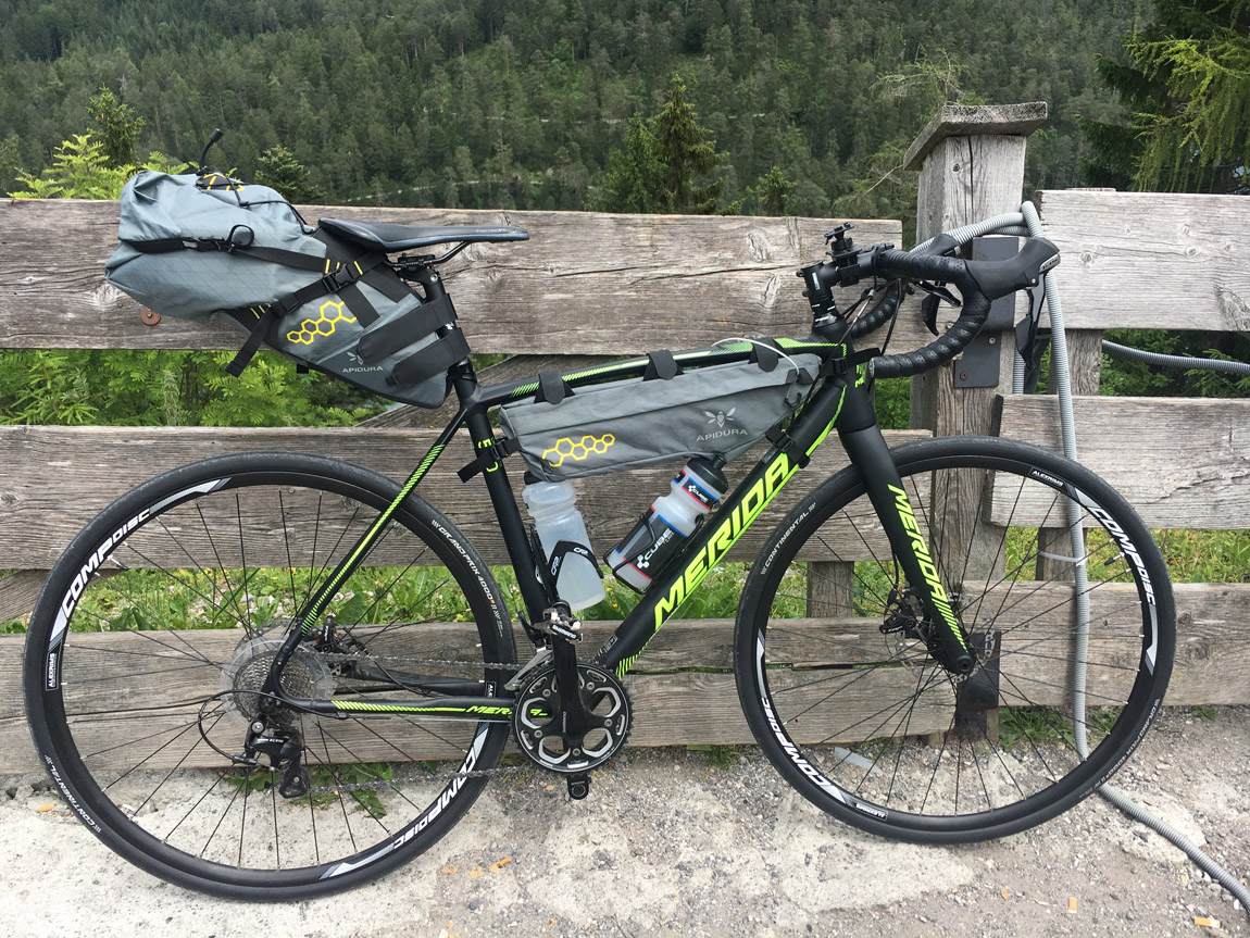 Merida Cyclocross 500 mit Apidura Frame und Rear Pack